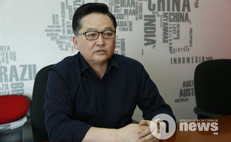 """""""Ч.Хүрэлбаатар өөрөө Монголыг хорлож байна """""""