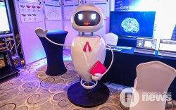 Монголын анхны робот хуульч Агирэ