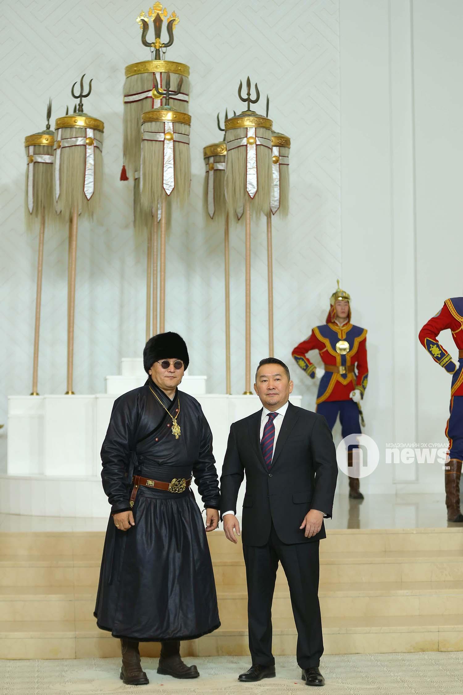 Чингис хаан одон (16)