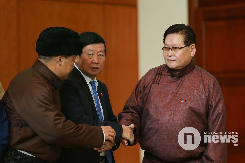 Монгол Улсын Үндсэн хуульд нэмэлт, өөрчлөлт оруулах эхийг баталгаажуулах ёслол