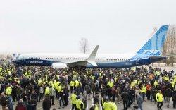 """""""Boeing 737 Max"""" загварын хамгийн том онгоцыг танилцууллаа"""