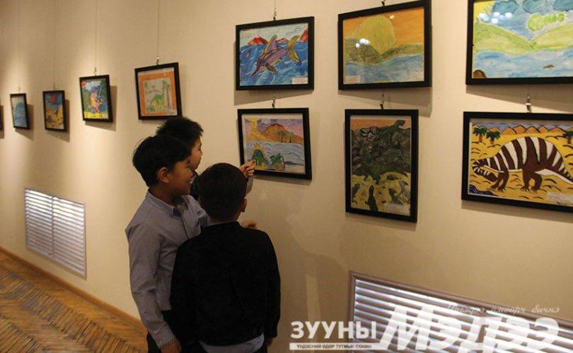 Л.Баттуяа: Хүүхдүүд уран зургаар өөрийнхөө ертөнцийг харууллаа