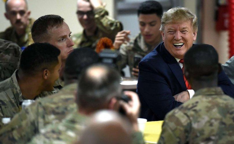 Трамп Афганистанд гэнэтийн бэлэг барилаа