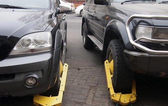 Татвараа төлөөгүй жолоочийн машины дугуйг түгжихээр журамд тусгажээ