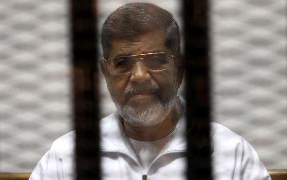 """Египетийн """"ардчилсан"""" ерөнхийлөгч нас баржээ"""