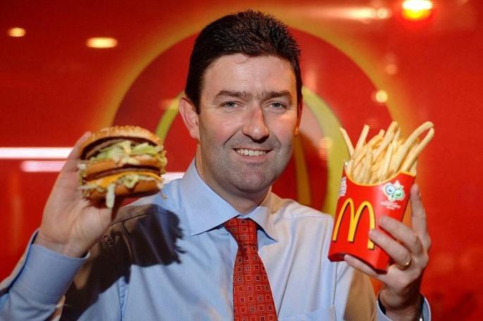 """Ажилтантайгаа дотно харилцаатай болсон """"McDonalds""""-ийн захирал огцорчээ"""