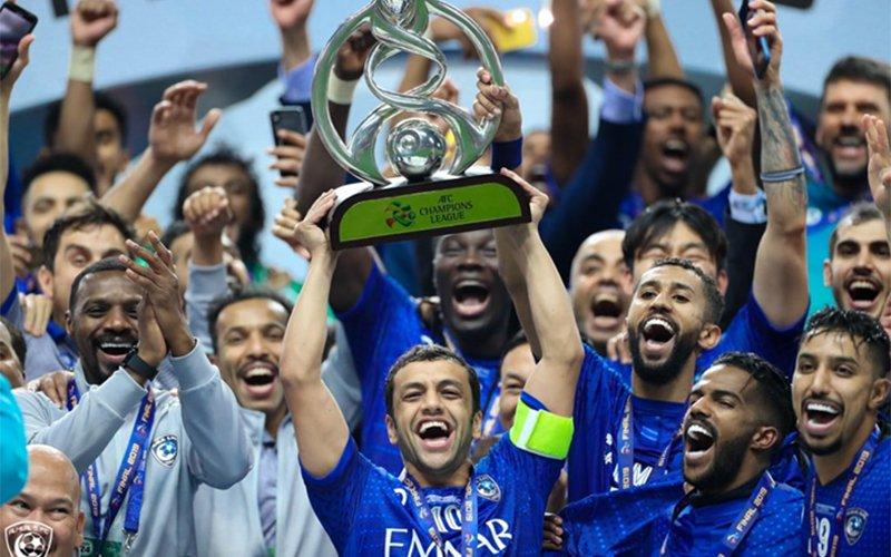 Саудын Арабын Эль-Хилал баг Азийн аваргуудын лигийн цомыг хүртлээ