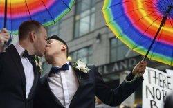 Ижил хүйстний гэрлэлтийг зөвшөөрснөөр амиа хорлолт буурчээ
