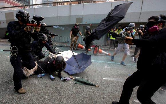 Хонгконгод 200 хүнийг баривчлав