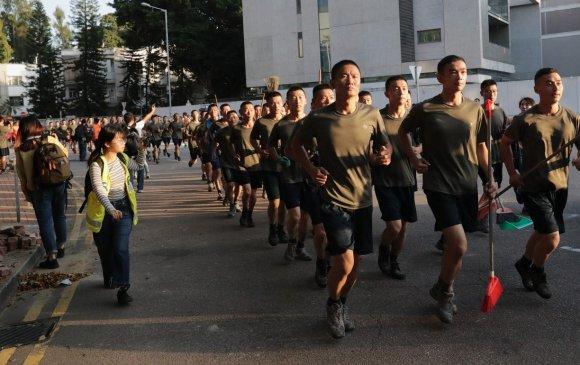 """Хятад цэргүүд Бээжингийн тэвчээрийг """"сануулав"""""""