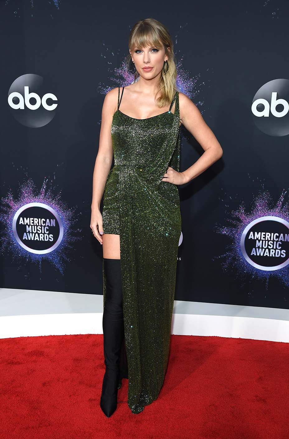2019 American Music Awards - Red Carpet