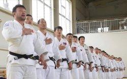 Осакад Хөдөлмөрийн баатар Н.Түвшинбаяр тэргүүтэй 14 бөх зодоглоно