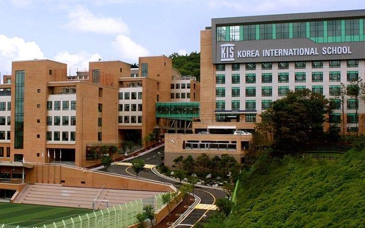Өмнөд Солонгос хувийн сургуулиудаа улсынх болгоно