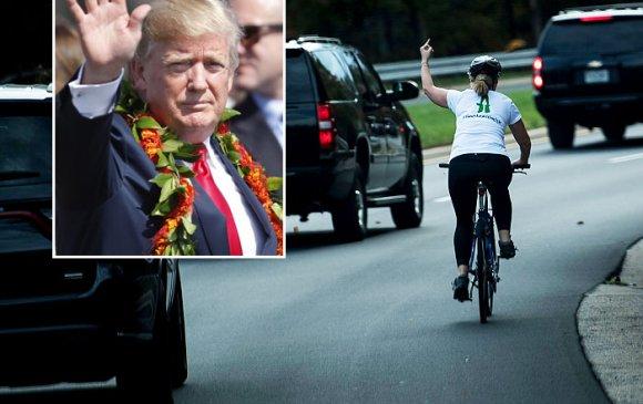 Трампын цуваа руу дунд хуруу гаргасан эмэгтэй сонгуульд ялжээ
