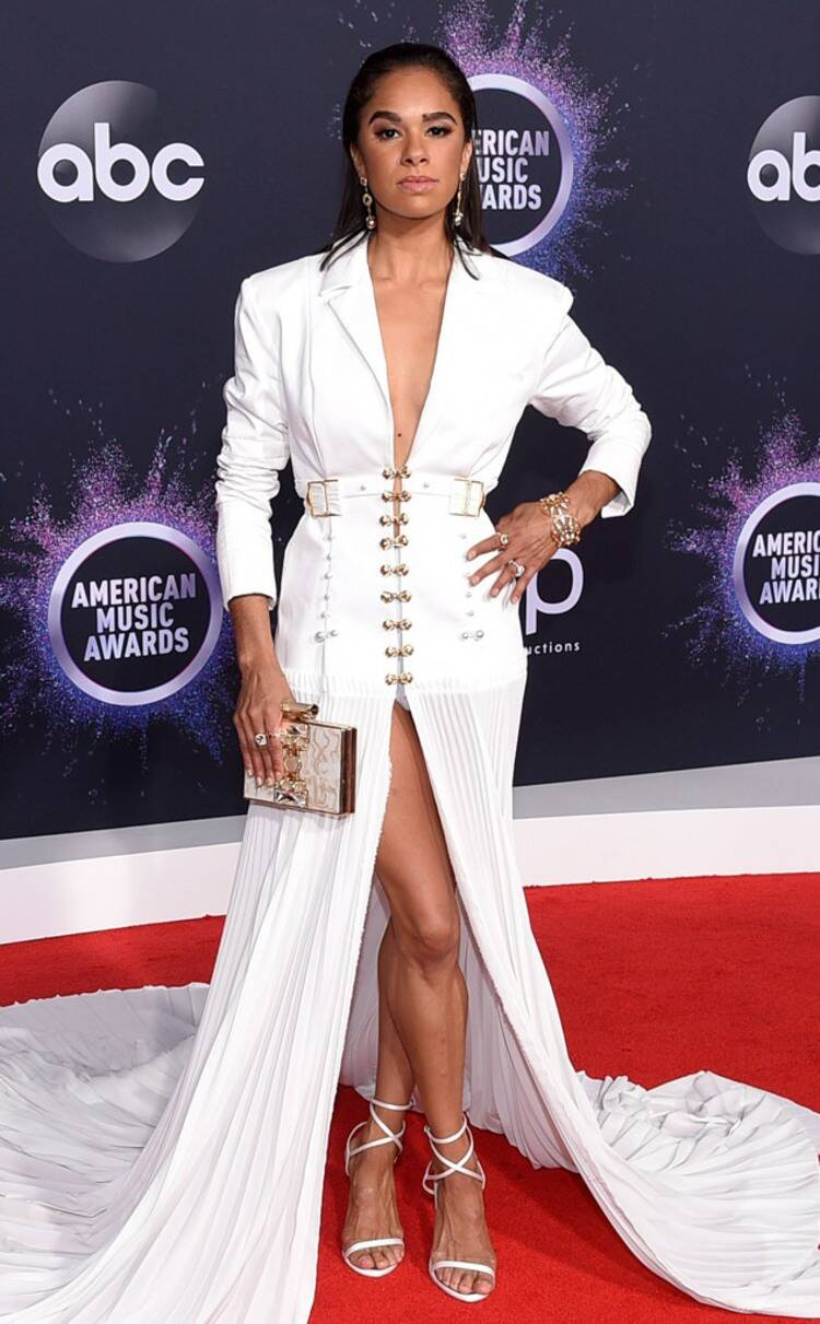 rs_634x1024-191124165204-634-Misty-Copeland-2019-American-Music-Awards-Red-Carpet-Fashion