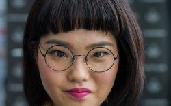 Японы эмэгтэйчүүд нүдний шил зүүх эрхийнхээ төлөө тэмцэж байна