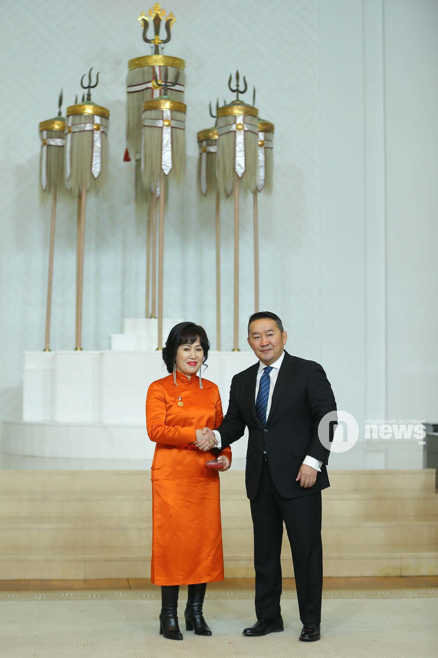 Монгол Улсын Ерөнхийлөгчийн зарлигаар Төрийн дээд одон, медаль гардуулах ёслол (11)