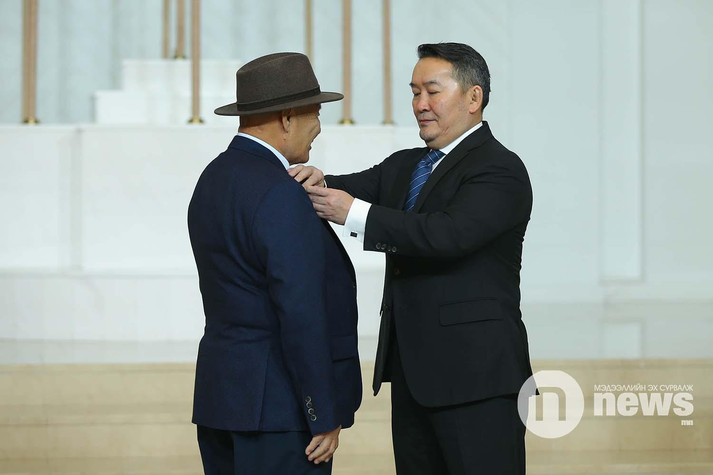 Монгол Улсын Ерөнхийлөгчийн зарлигаар Төрийн дээд одон, медаль гардуулах ёслол (12)