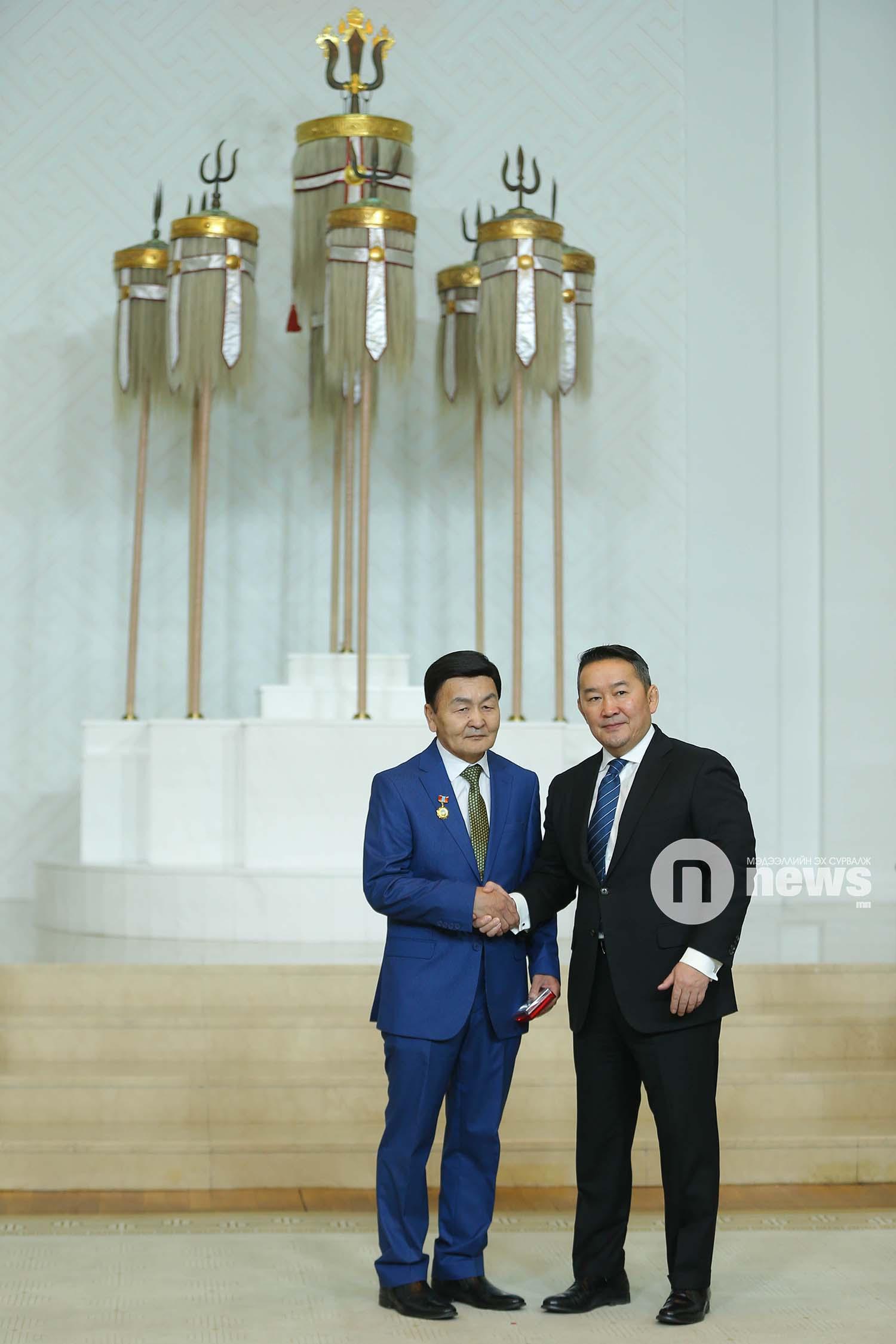 Монгол Улсын Ерөнхийлөгчийн зарлигаар Төрийн дээд одон, медаль гардуулах ёслол (15)