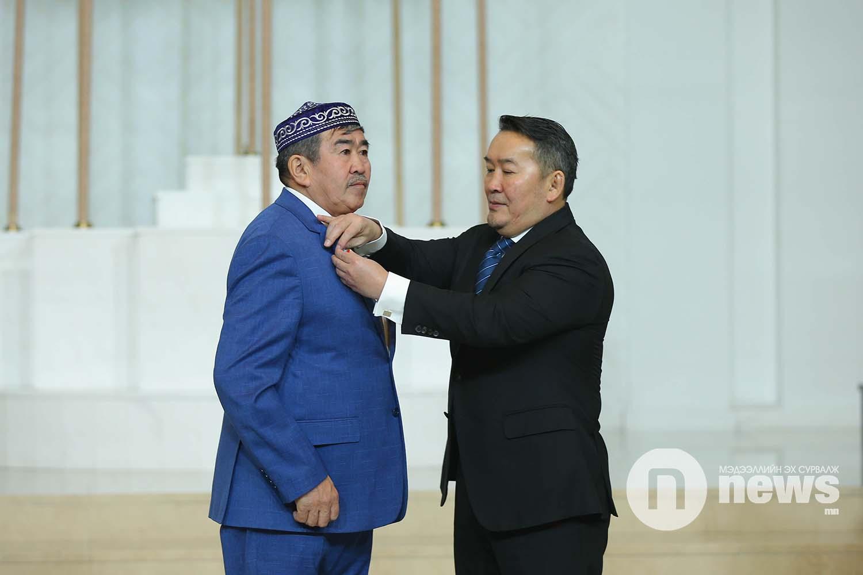 Монгол Улсын Ерөнхийлөгчийн зарлигаар Төрийн дээд одон, медаль гардуулах ёслол (16)