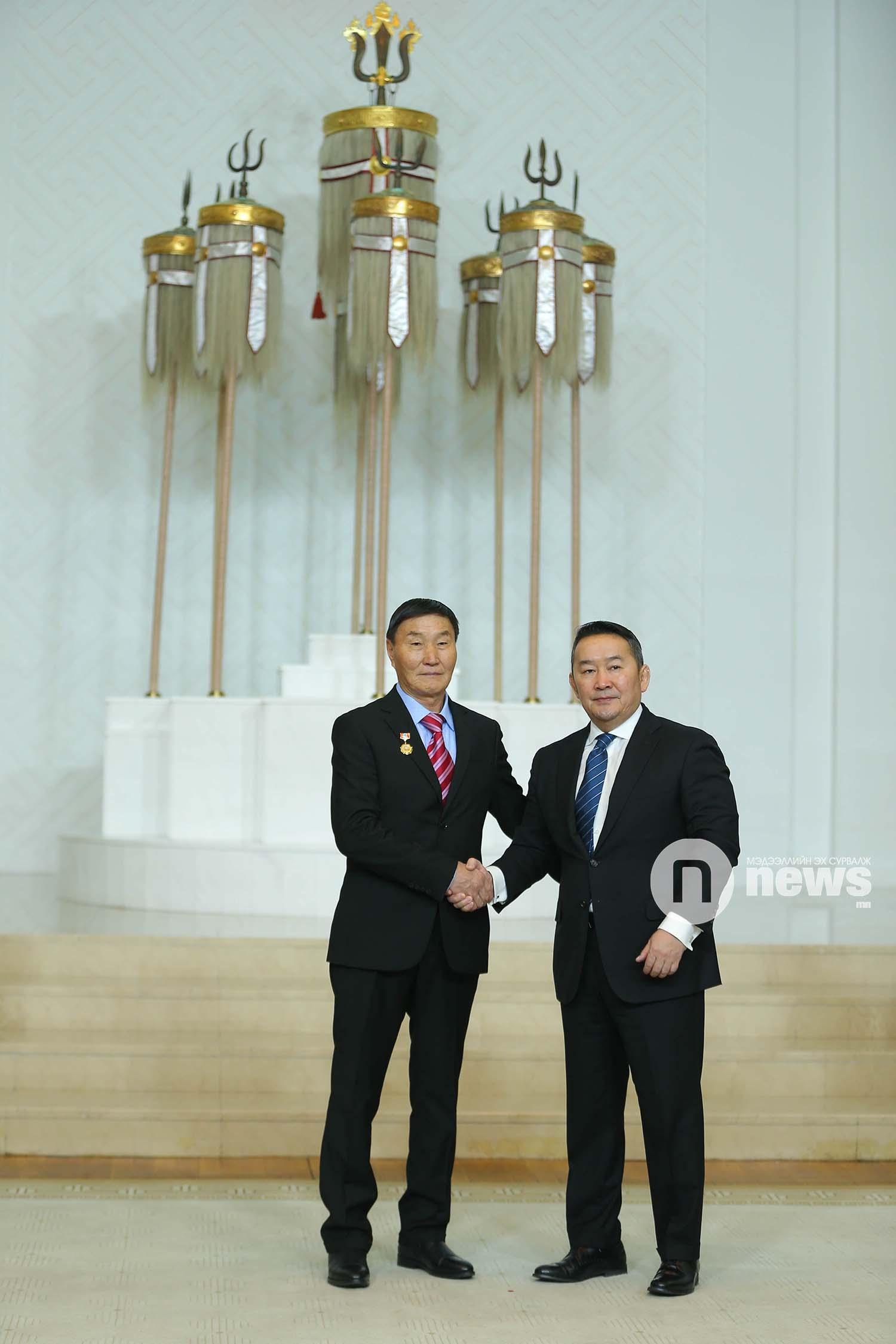 Монгол Улсын Ерөнхийлөгчийн зарлигаар Төрийн дээд одон, медаль гардуулах ёслол (19)