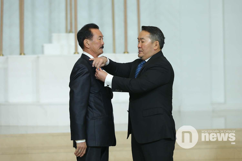 Монгол Улсын Ерөнхийлөгчийн зарлигаар Төрийн дээд одон, медаль гардуулах ёслол (2)
