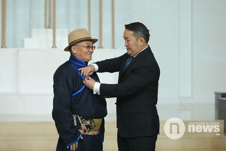 Монгол Улсын Ерөнхийлөгчийн зарлигаар Төрийн дээд одон, медаль гардуулах ёслол (20)