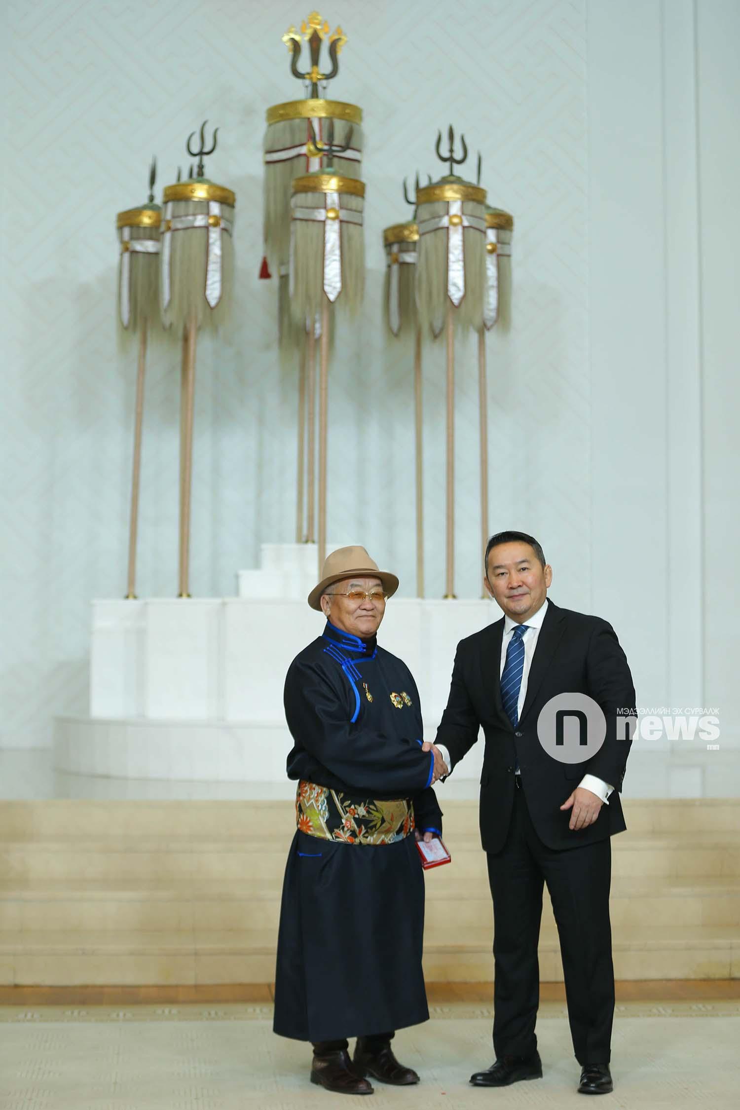 Монгол Улсын Ерөнхийлөгчийн зарлигаар Төрийн дээд одон, медаль гардуулах ёслол (21)