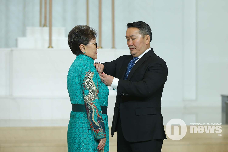 Монгол Улсын Ерөнхийлөгчийн зарлигаар Төрийн дээд одон, медаль гардуулах ёслол (22)