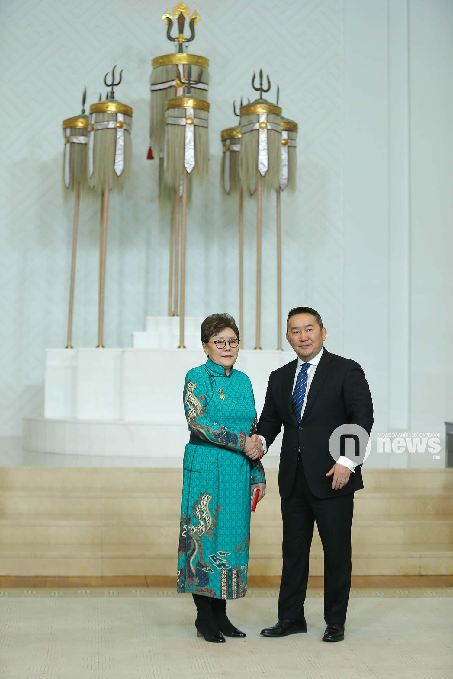 Монгол Улсын Ерөнхийлөгчийн зарлигаар Төрийн дээд одон, медаль гардуулах ёслол (23)