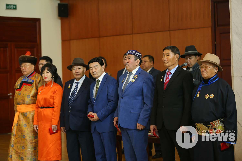 Монгол Улсын Ерөнхийлөгчийн зарлигаар Төрийн дээд одон, медаль гардуулах ёслол (24)