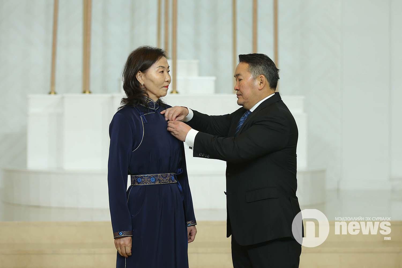 Монгол Улсын Ерөнхийлөгчийн зарлигаар Төрийн дээд одон, медаль гардуулах ёслол (31)