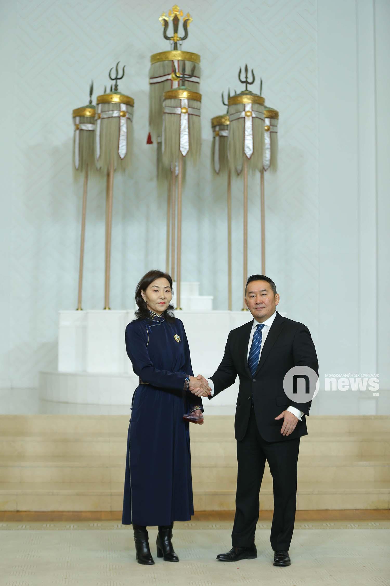 Монгол Улсын Ерөнхийлөгчийн зарлигаар Төрийн дээд одон, медаль гардуулах ёслол (32)