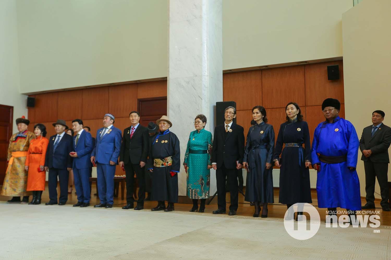 Монгол Улсын Ерөнхийлөгчийн зарлигаар Төрийн дээд одон, медаль гардуулах ёслол (38)
