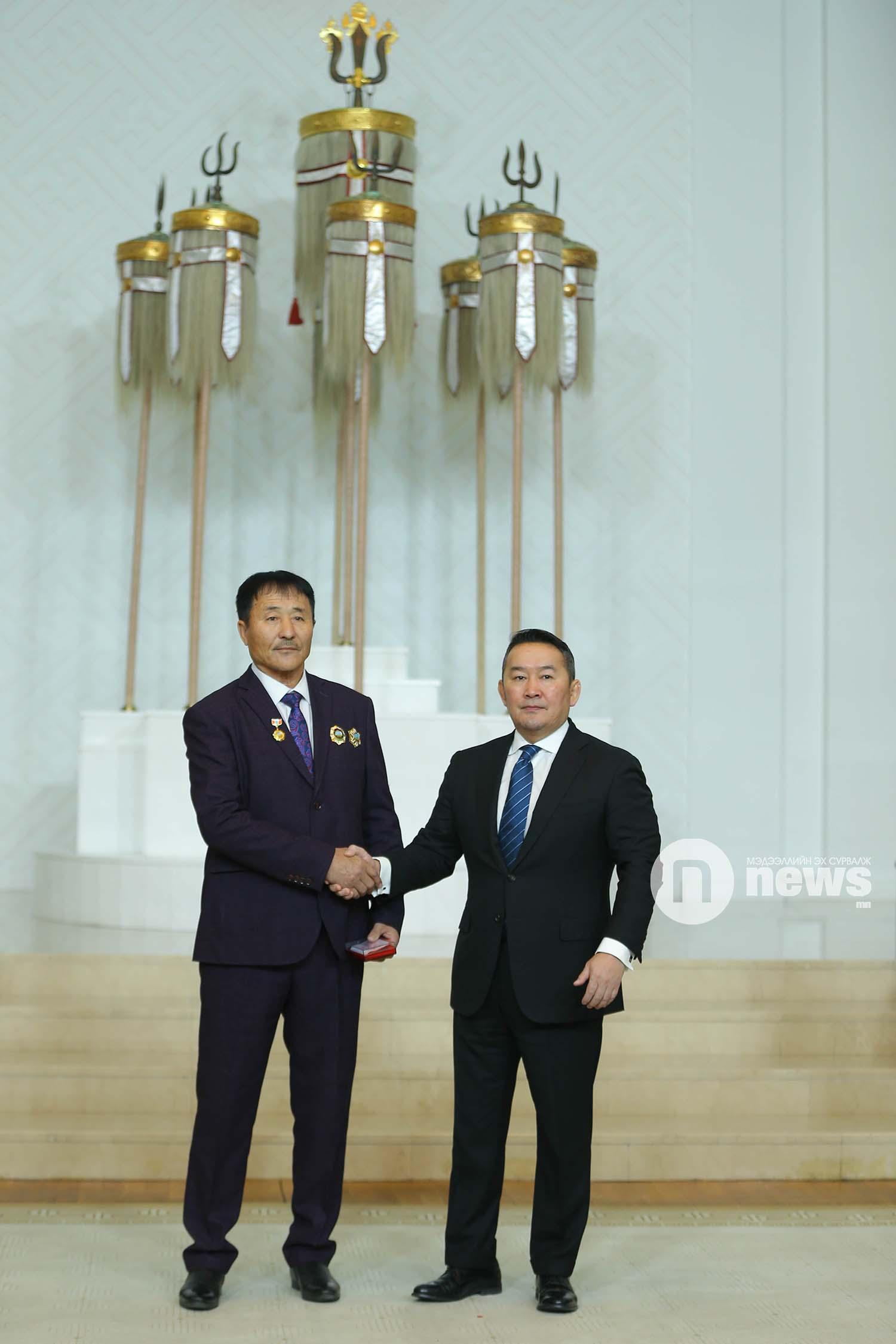 Монгол Улсын Ерөнхийлөгчийн зарлигаар Төрийн дээд одон, медаль гардуулах ёслол (45)
