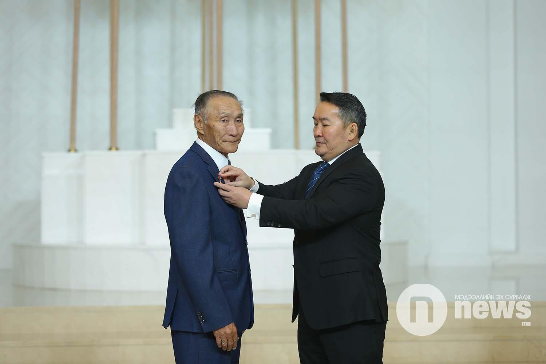 Монгол Улсын Ерөнхийлөгчийн зарлигаар Төрийн дээд одон, медаль гардуулах ёслол (50)