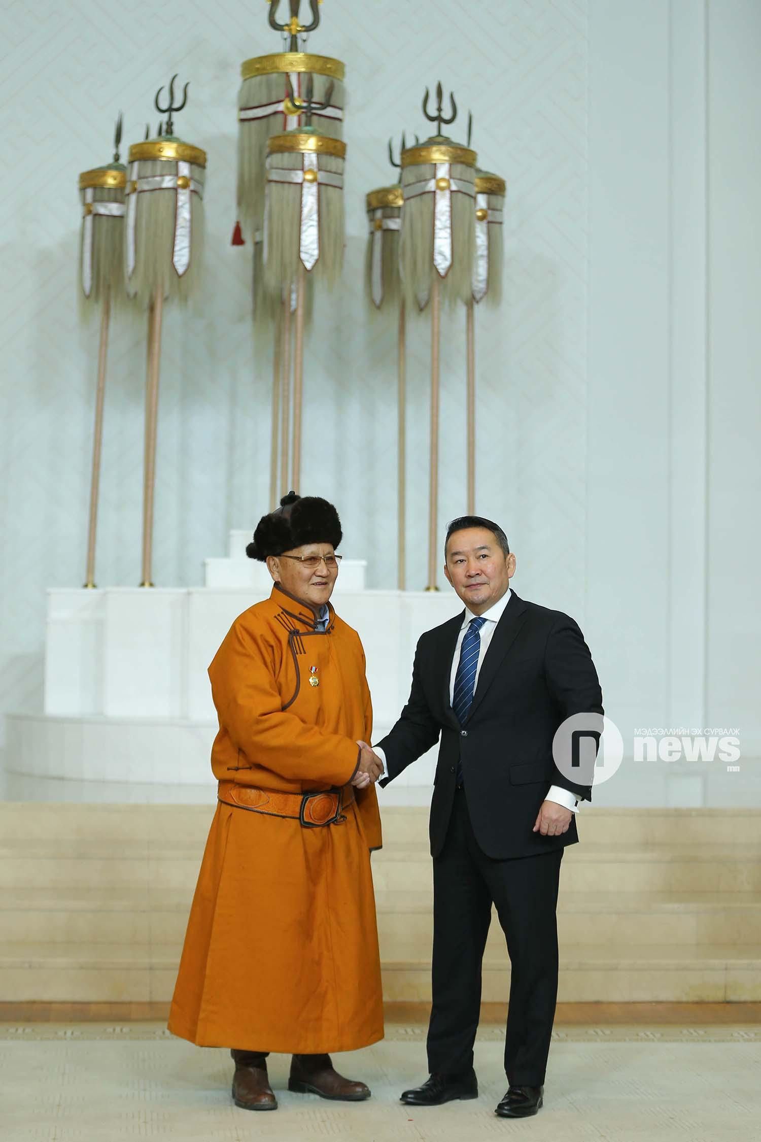 Монгол Улсын Ерөнхийлөгчийн зарлигаар Төрийн дээд одон, медаль гардуулах ёслол (53)
