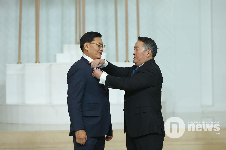 Монгол Улсын Ерөнхийлөгчийн зарлигаар Төрийн дээд одон, медаль гардуулах ёслол (58)