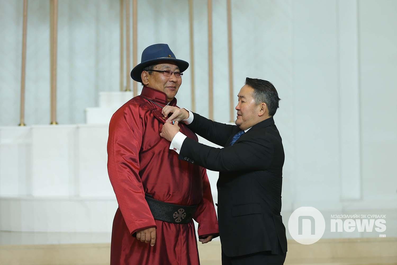 Монгол Улсын Ерөнхийлөгчийн зарлигаар Төрийн дээд одон, медаль гардуулах ёслол (6)