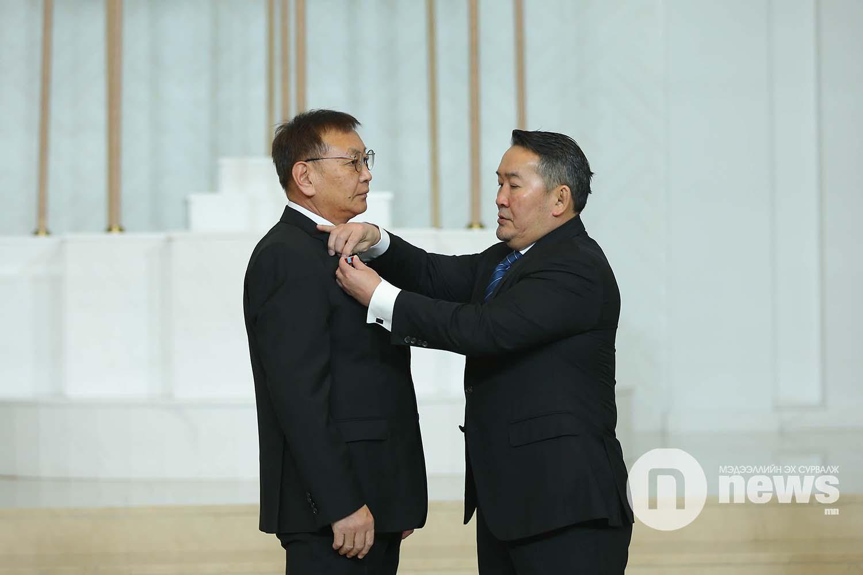 Монгол Улсын Ерөнхийлөгчийн зарлигаар Төрийн дээд одон, медаль гардуулах ёслол (60)