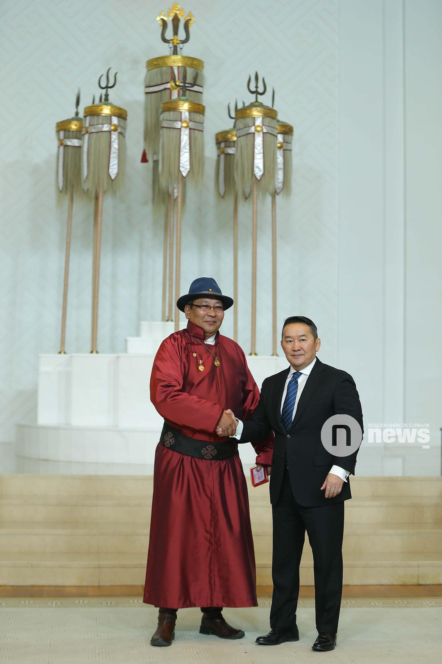 Монгол Улсын Ерөнхийлөгчийн зарлигаар Төрийн дээд одон, медаль гардуулах ёслол (7)