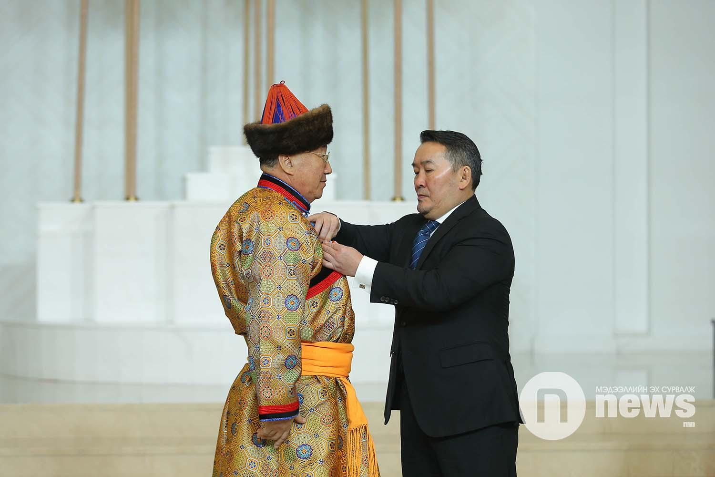 Монгол Улсын Ерөнхийлөгчийн зарлигаар Төрийн дээд одон, медаль гардуулах ёслол (8)