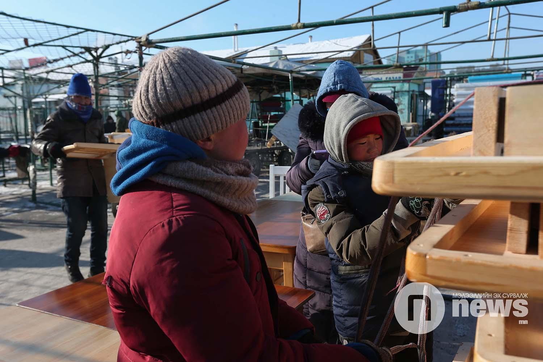 Нарантуул зах хөдөлмөр эрхлэж буй хүүхдүүд (11)