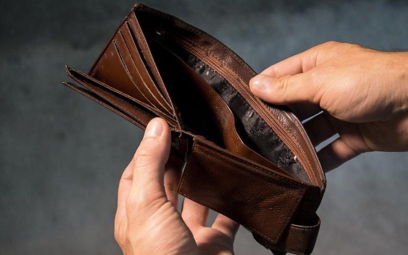 Хотын өрхийн 13 хувь нь эхнэрийн цалингаар амьдарч байна