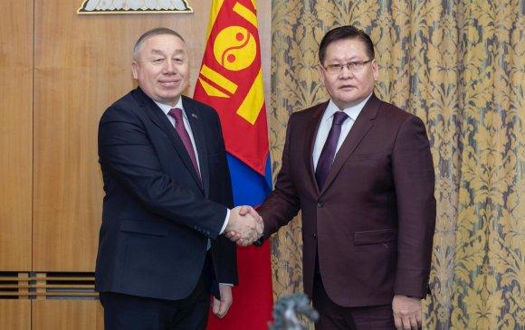 Шадар сайд Ө.Энхтүвшин Казахстаны Элчин сайдыг хүлээн авч уулзав