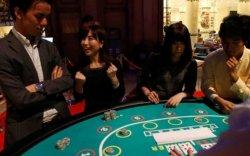 Японы засгийн газрын гишүүн асан казиногоос авлига авсан хэргээр баривчлагдав