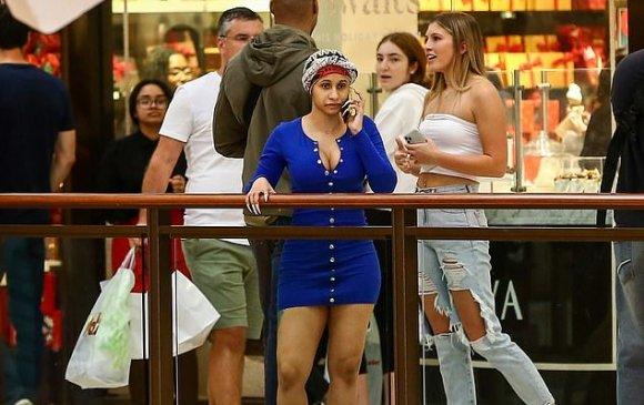 Майамид дэлгүүр хэсч яваа Карди Биг хэн ч таньсангүй