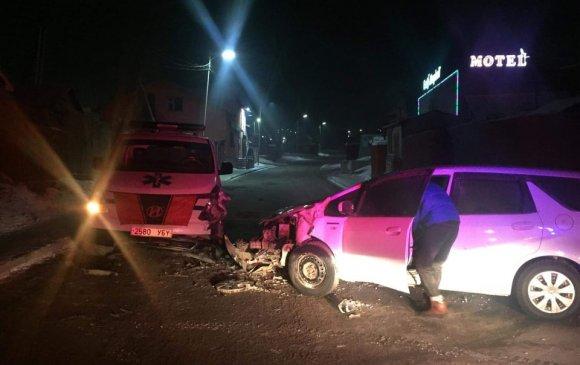 Согтуу жолооч түргэний машинтай мөргөлджээ