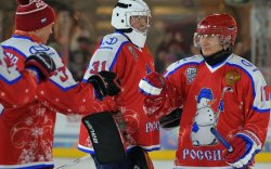 Путины баг хоккейн лигт ялалт байгууллаа