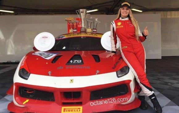 Феррари баг Formula-1 уралдаанд эмэгтэй нисгэгч уралдуулна